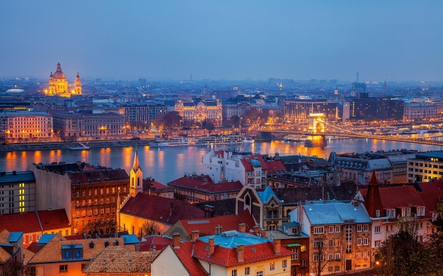 Budapest-Hungary-city-buildings-houses-river-Chain-Bridge-night-lights_1920x1200